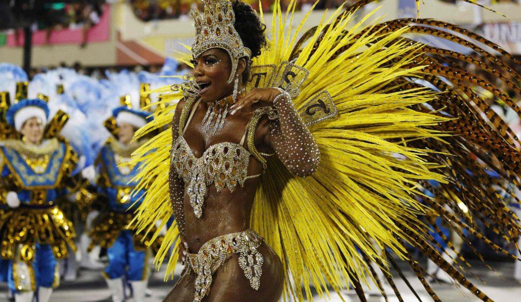 Βραζιλία: Ετοιμασίες για το διασημότερο καρναβάλι του κόσμου   Pagenews.gr