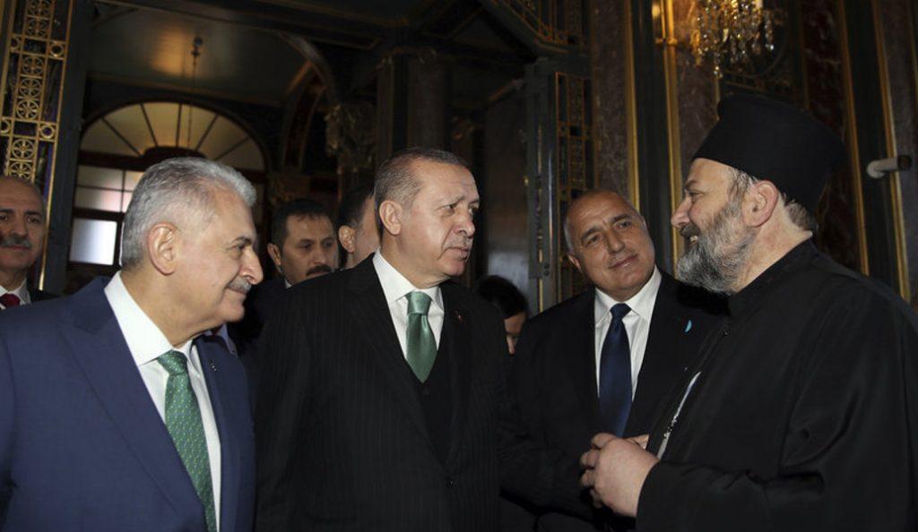 Κωνσταντινούπολη: Στα θυρανοίξια ορθόδοξης εκκλησίας ο Ερντογάν (pics) | Pagenews.gr