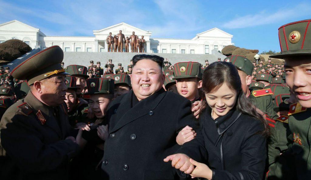 Ποιος είναι τελικά αυτός ο Κιμ Γιονγκ Ουν; (pics) | Pagenews.gr