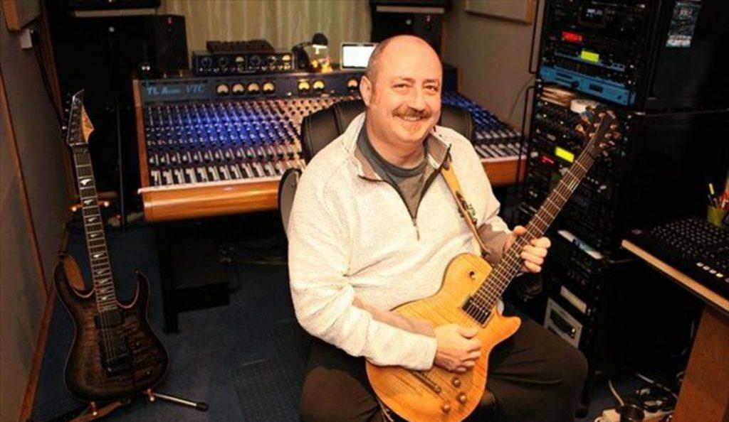 Πέθανε ο μουσικός παραγωγός Chris Tsangarides | Pagenews.gr