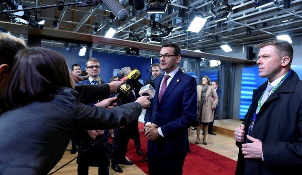 Πολωνία: Ανασχηματισμός με αποπομπή των υπουργών Εξωτερικών και Άμυνας | Pagenews.gr