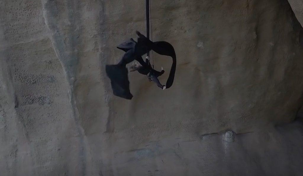 Aerial dance: Η Κατερίνα Σολδάτου χόρεψε και στα Μετέωρα (vid)   Pagenews.gr