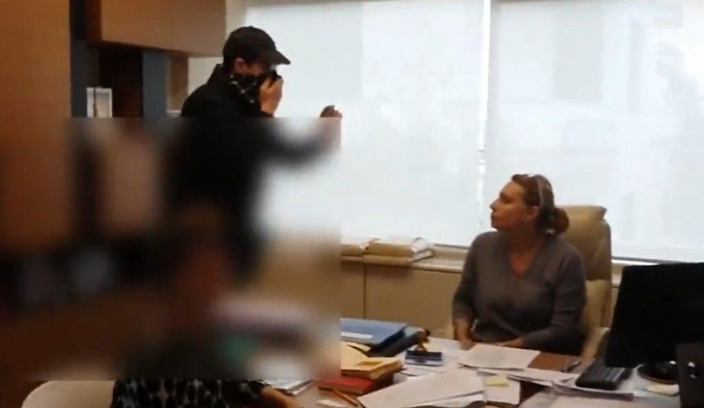 «Ντου» του Ρουβίκωνα σε συμβολαιογραφείο στα Εξάρχεια (vid) | Pagenews.gr