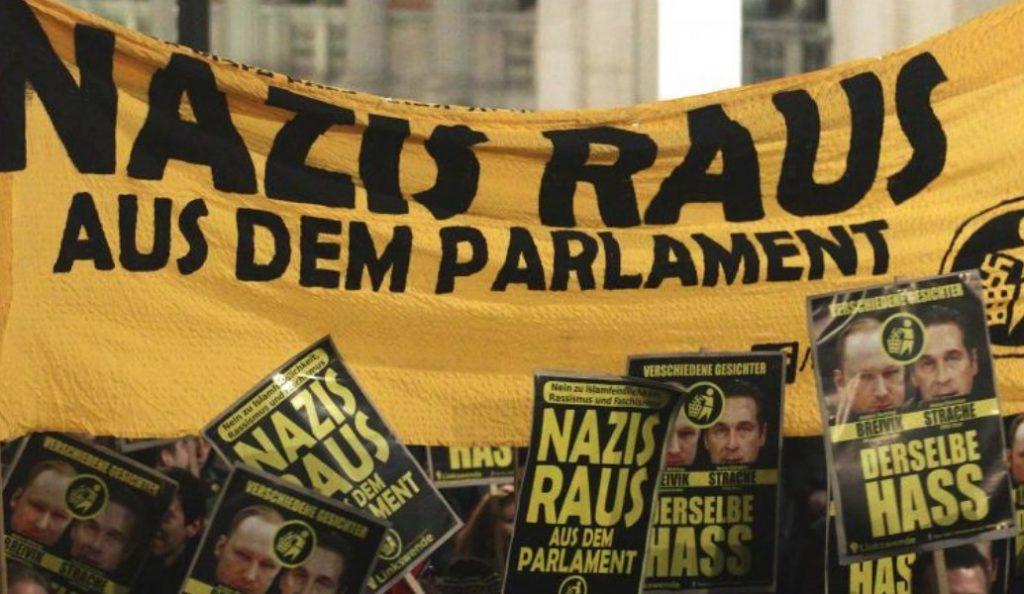 Αυστρία: Χιλιάδες διαδηλωτές κατά της κυβέρνησης δεξιάς-ακροδεξιάς   Pagenews.gr