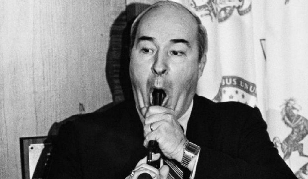 «Θα αυτοκτονήσει»: Όταν ο Μπαντ Ντουάιερ τράβηξε όπλο μπροστά στα μάτια εκατομμυρίων ανθρώπων | Pagenews.gr