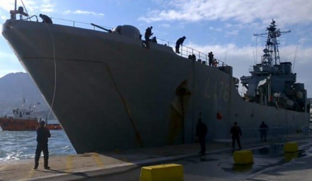Πλευρικό ρήγμα στο αρματαγωγό «Λέσβος» – Συγκρούστηκε στην προβλήτα του λιμανιού | Pagenews.gr