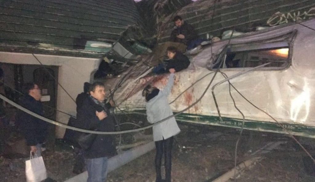 Εκτροχιασμός τρένου στο Μιλάνο: Πέντε νεκροί και 100 τραυματίες | Pagenews.gr