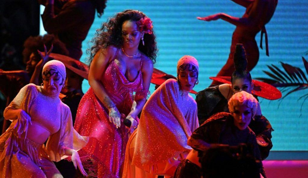 Ριάνα: Ο χορός της στα βραβεία Grammy που θα μείνει αξέχαστος (vid) | Pagenews.gr