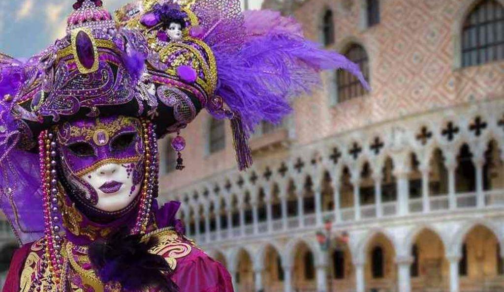 Καρναβάλι Βενετίας: Χιλιάδες κόσμου αλλά και μέτρα για περιορισμένη πρόσβαση (vid) | Pagenews.gr
