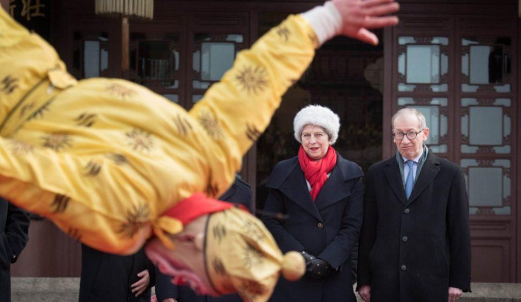 Τερέζα Μέι: Δεν τα παρατάω, είμαι υπηρέτρια της χώρας μου | Pagenews.gr