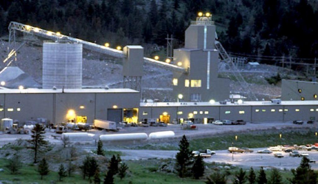Νότια Αφρική: 950 μεταλλωρύχοι αποκλείστηκαν σε ορυχείο χρυσού | Pagenews.gr