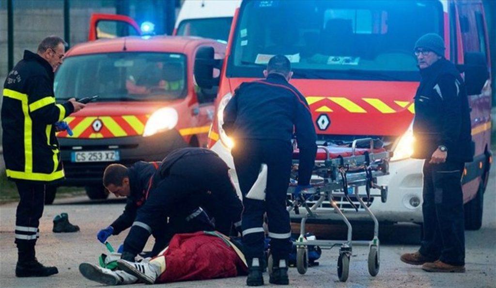 Γαλλία: Αιματηρές συγκρούσεις Αφγανών-Αφρικανών μεταναστών στο Καλαί (vids)   Pagenews.gr
