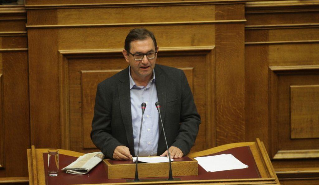 Χρήστος Μαντάς: Ακραίοι οι χαρακτηρισμοί του Μίκη Θεοδωράκη | Pagenews.gr