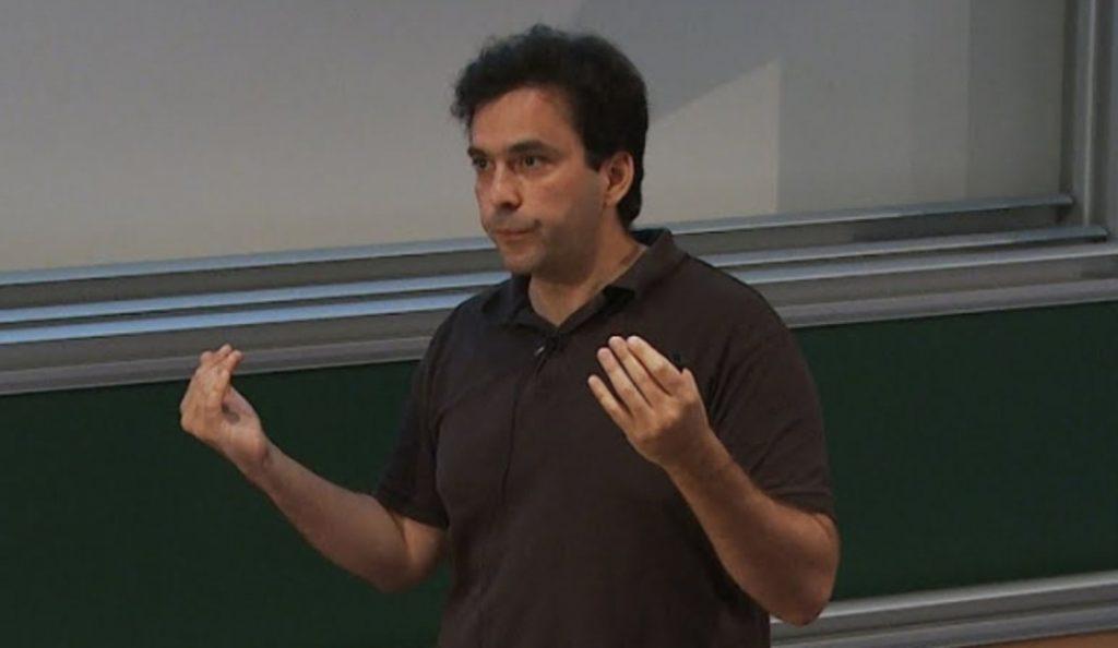 Κυριάκος Παπαδόδημας: Ο επιστήμονας που αναζητά απαντήσεις για τις μαύρες τρύπες   Pagenews.gr