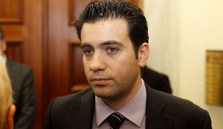 Ανδρέας Παπαδόπουλος: Καταδικάστηκε έπειτα από μήνυση της ΧΑ – Οι αντιδράσεις | Pagenews.gr