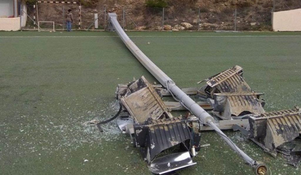 Γήπεδο Σταμάτας: Έπεσε πυλώνας δύο λεπτά μετά το τέλος αγώνα | Pagenews.gr