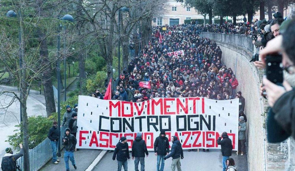Ιταλία: Χιλιάδες άνθρωποι στους δρόμους κατά του ρατσισμού | Pagenews.gr