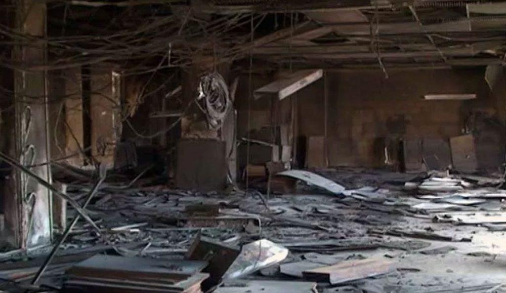 Λάρισα: Βομβαρδισμένο τοπίο η Β' ΔΟΥ μετά την πυρκαγιά (vid) | Pagenews.gr