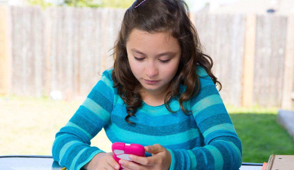 Έρευνα: Χιλιάδες παιδιά στην παγίδα των social media | Pagenews.gr