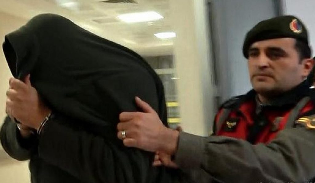 Le Monde: Για «απόπειρα κατασκοπίας» κατηγορούνται οι 2 Έλληνες στρατιωτικοί   Pagenews.gr