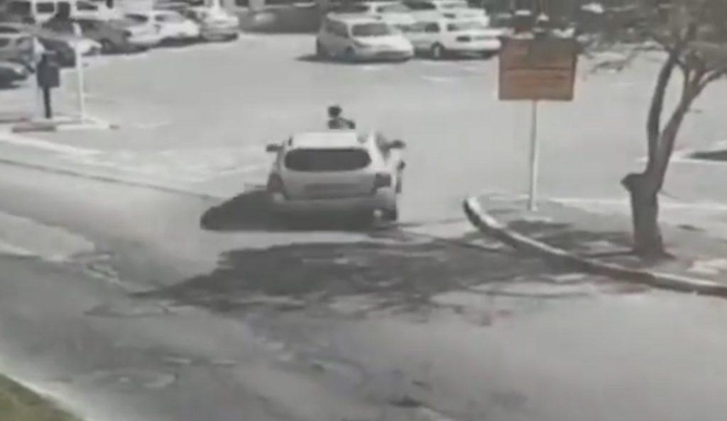 Ισραήλ: Αυτοκίνητο χτυπά αστυνομικό και τον πετάει στον αέρα (vid)   Pagenews.gr