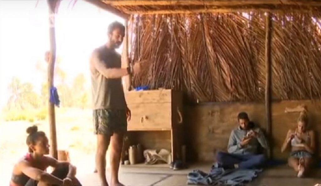 Παρ'ολίγο ξύλο στο Survivor: Άγρια κόντρα για το φαγητό στους Μαχητές (vids)   Pagenews.gr