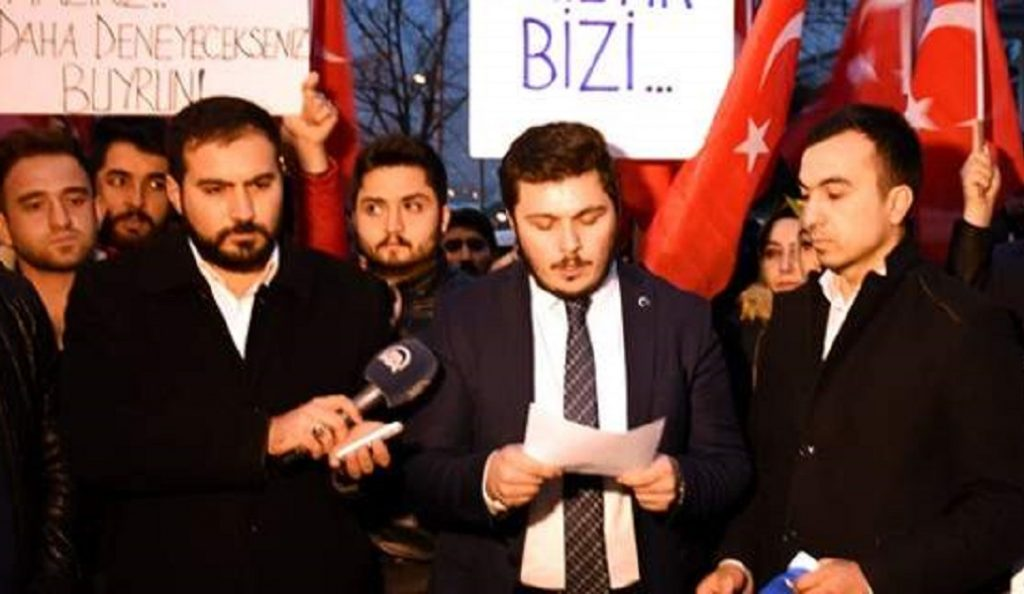 Απίστευτη πρόκληση Τούρκων εθνικιστών: Είμαστε έτοιμοι να σας ρίξουμε ξανά στη θάλασσα | Pagenews.gr