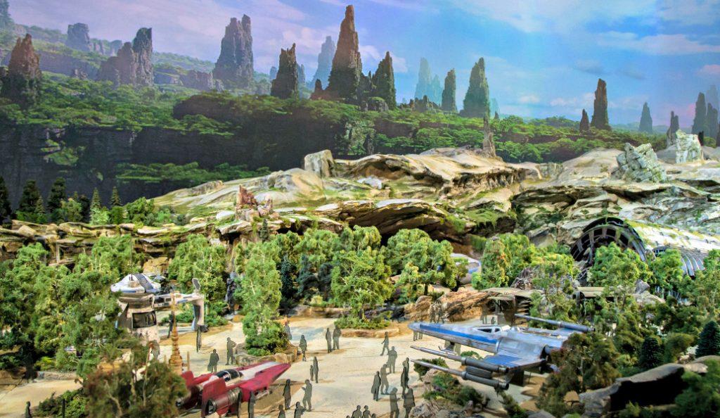 Τα πρώτα πλάνα από το τεράστιο γαλαξιακό πάρκο Star Wars στην Καλιφόρνια (vid)   Pagenews.gr