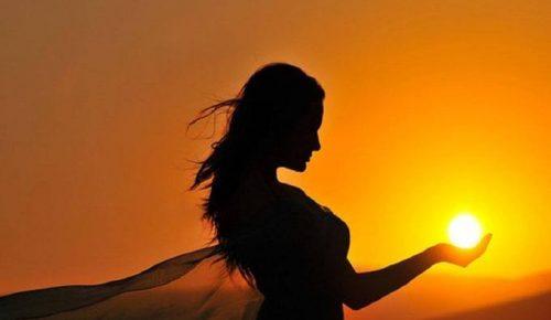 Ποιο χαρακτηριστικό καθιστά ερωτεύσιμο το κάθε ζώδιο | Pagenews.gr