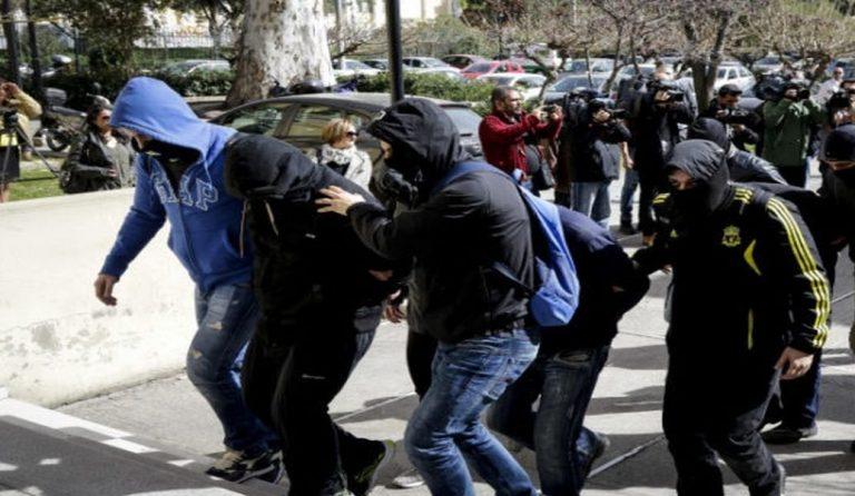 «Δεν έχει καμία σχέση με ναζισμό» – Η δήλωση του δικηγόρου ενός εκ των προφυλακισμένων για την «Combat 18» | Pagenews.gr
