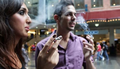Νέα Υόρκη: Πρόστιμα σε όσους καπνίζουν και περπατάνε! | Pagenews.gr