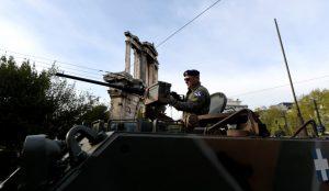 Η στρατιωτική παρέλαση για την 25η Μαρτίου στην Αθήνα | Pagenews.gr