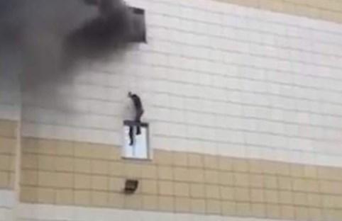 Τραγωδία με πέντε νεκρούς από πυρκαγιά στη Ρωσία – Πηδούσαν από τα παράθυρα (vid) | Pagenews.gr