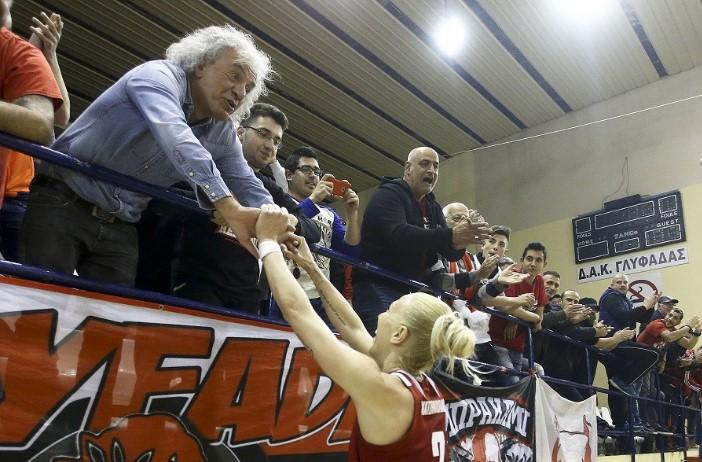 Πανηγυρισμοί με Τσουκαλά για το Κύπελλο (pic) | Pagenews.gr
