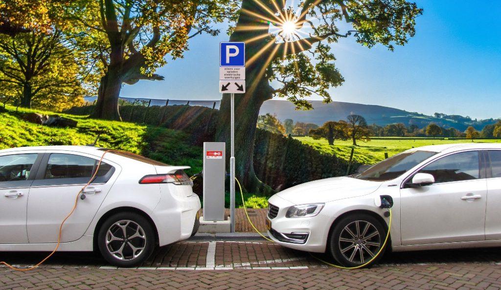 Ηλεκτρικά αυτοκίνητα που φορτίζουν εν κινήσει   Pagenews.gr
