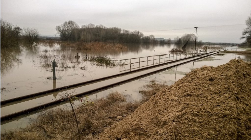 Επικίνδυνη η κατάσταση στον Έβρο – Ξεχειλίζει το ποτάμι | Pagenews.gr