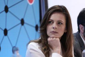 Έφη Αχτσιόγλου: Κατάργηση του υποκατώτατου – Αυξήσεις μισθών | Pagenews.gr