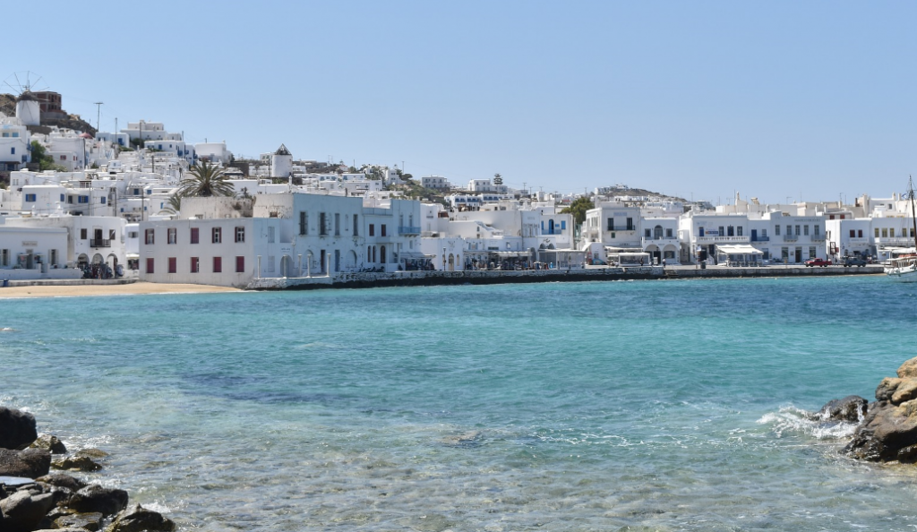 Guardian: Απέσυρε τα ταξίδια… ντροπής στην Ελλάδα   Pagenews.gr
