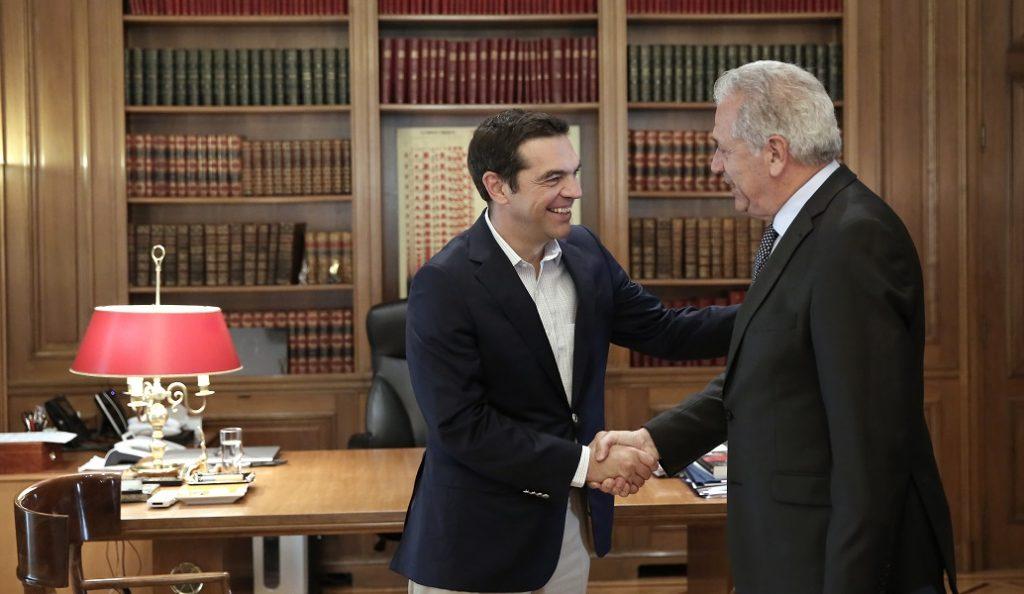 Τσίπρας – Αβραμόπουλος: Συνάντηση για το προσφυγικό, στη σκιά της Novartis | Pagenews.gr
