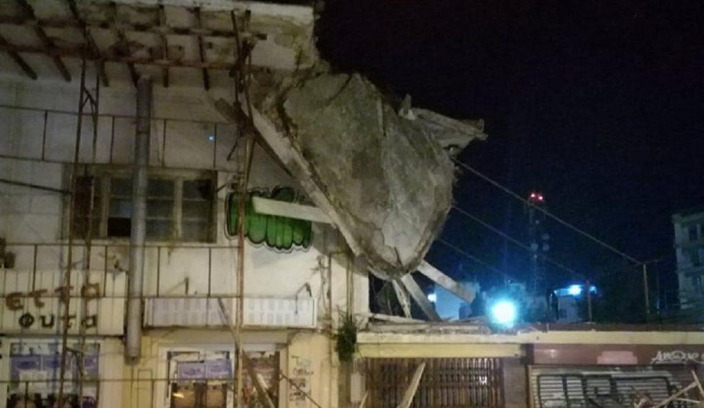 Εικόνες που σοκάρουν: Κατέρρευσε η οροφή της δημοτικής αγοράς στη Χαλκίδα (pics&vid) | Pagenews.gr