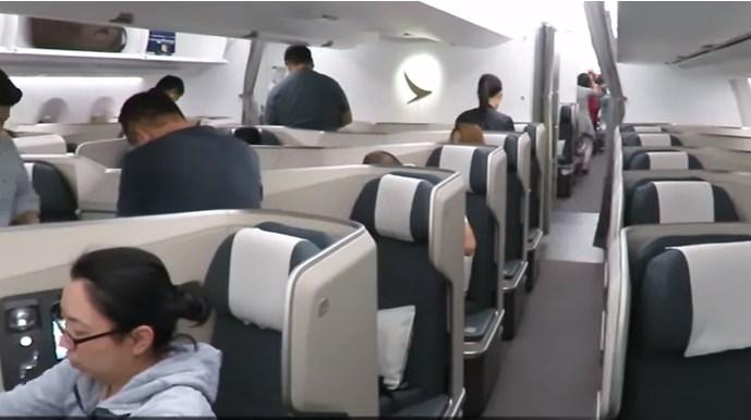 Οι αεροσυνοδοί της Cathay Pacific κέρδισαν τη μάχη κατά της φούστας | Pagenews.gr