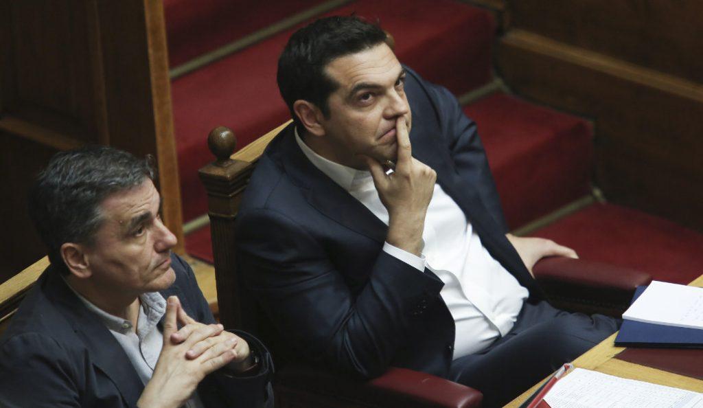 Μήνυμα από Βρυξέλλες: Όποιος θέλει μείωση χρέους πρέπει να ανεχθεί αυστηρότερο έλεγχο | Pagenews.gr