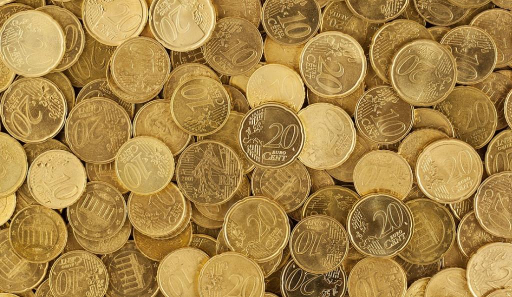 Μικρή άνοδο σημειώνουν οι μετοχές – Υποχωρεί το δολάριο | Pagenews.gr