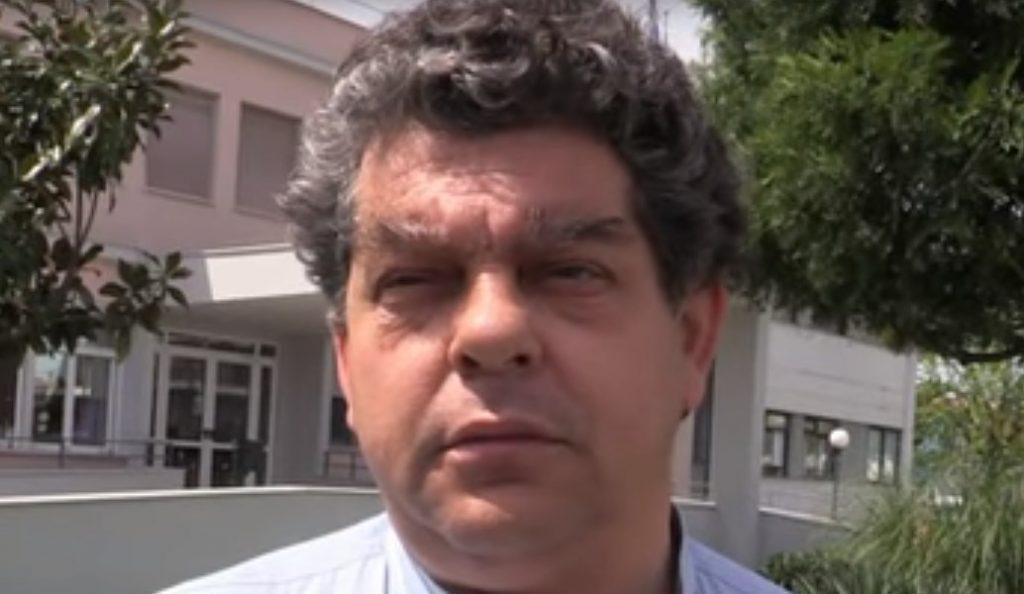 Τρίκαλα: Χτύπησαν τον διοικητή του νοσοκομείου μέσα στο γραφείο του (vid) | Pagenews.gr