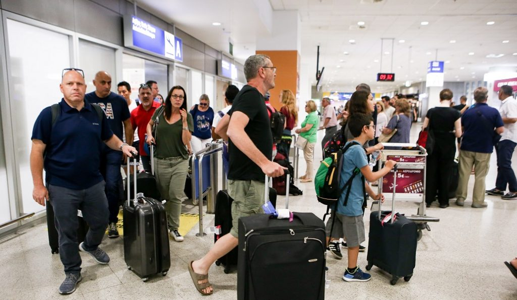 Πάνω από 30 εκατ. τουρίστες στην Ελλάδα το 2017 | Pagenews.gr
