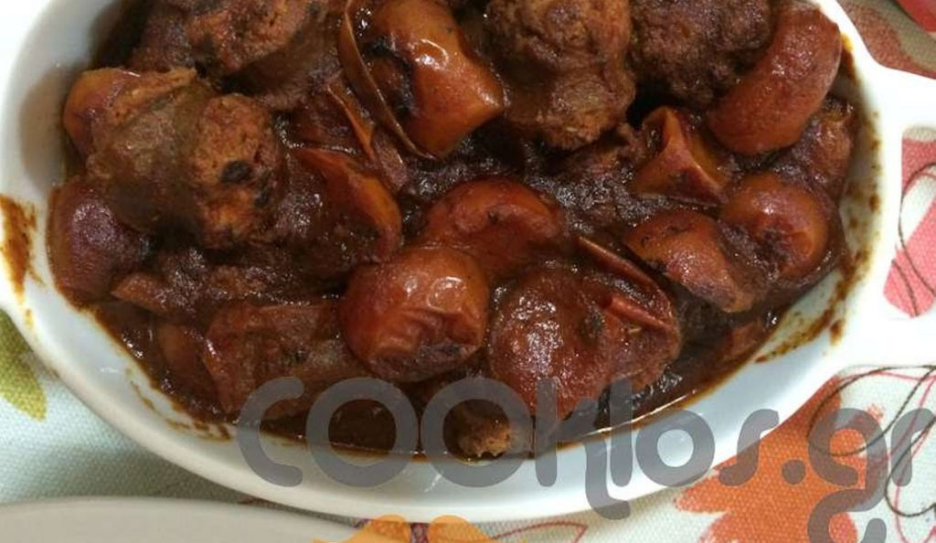 Η συνταγή της ημέρας: Λουκάνικα χωριάτικα με τοματίνια και ρίγανη | Pagenews.gr
