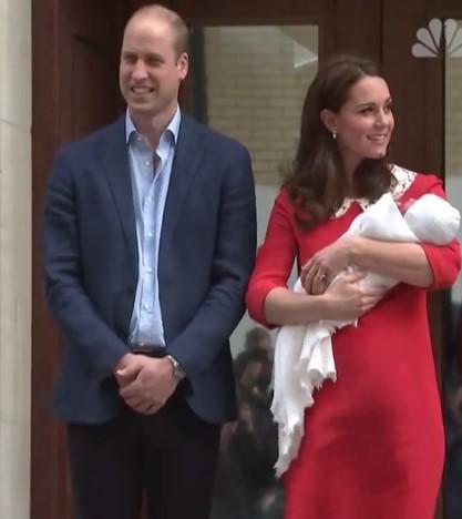 Εξιτήριο για την Κέιτ Μίντλετον – Η πρώτη εμφάνιση του βασιλικού μωρού (vid) | Pagenews.gr