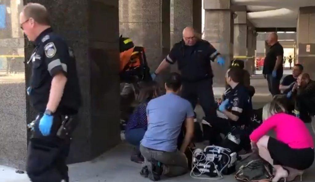 Τορόντο: Βαν έπεσε πάνω σε πεζούς – Πληροφορίες για τραυματίες και νεκρούς | Pagenews.gr