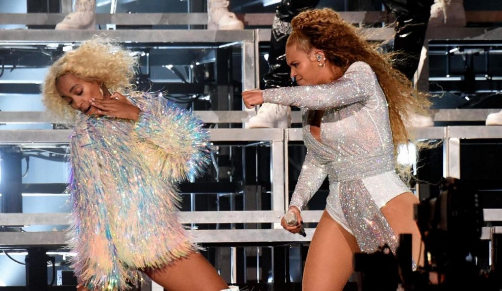 Η επική τούμπα της Beyonce στη σκηνή (vid) | Pagenews.gr