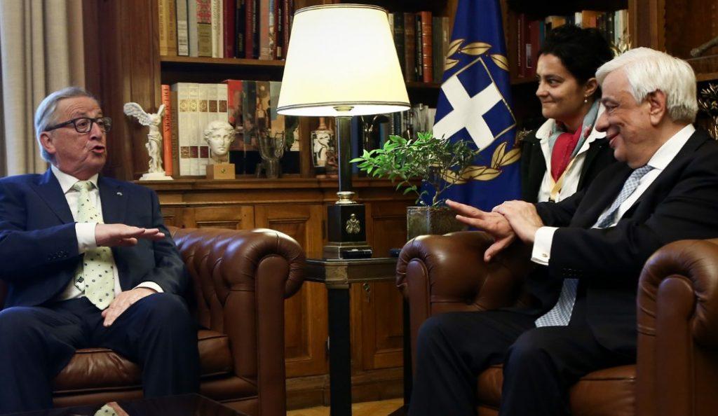 Γιούνκερ σε Παυλόπουλο: Η Ελλάδα είναι η δεύτερη πατρίδα μου   Pagenews.gr
